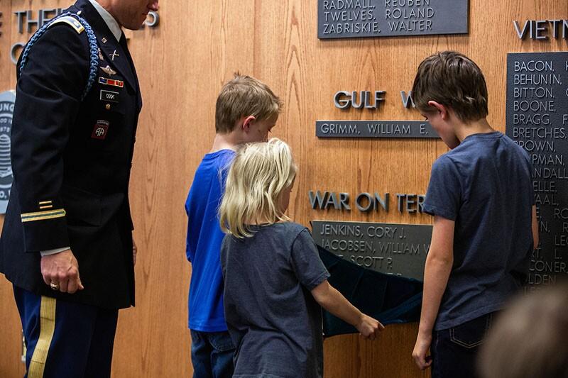 memorial unveiling800.jpg