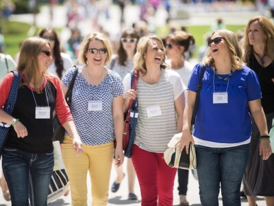 women walking between sessions of BYU Women's Conference