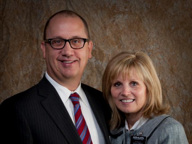 Photo of Richard and Jeni Holzapfel