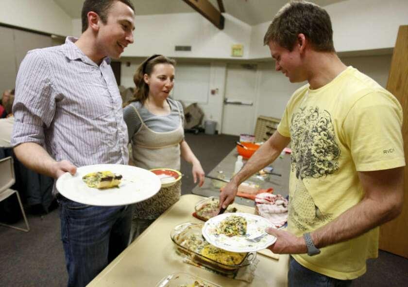 FLSR students having dinner