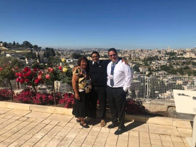 Jonathan Reed with Dee de Moors in Jerusalem.