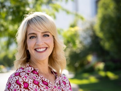 "A professional portrait of Lisa Valentine Clark, radio host of ""The Lisa Show"""