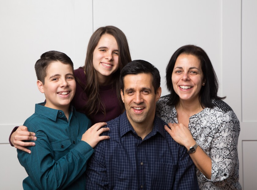 image of graduate student Dario Gonzalez and his family
