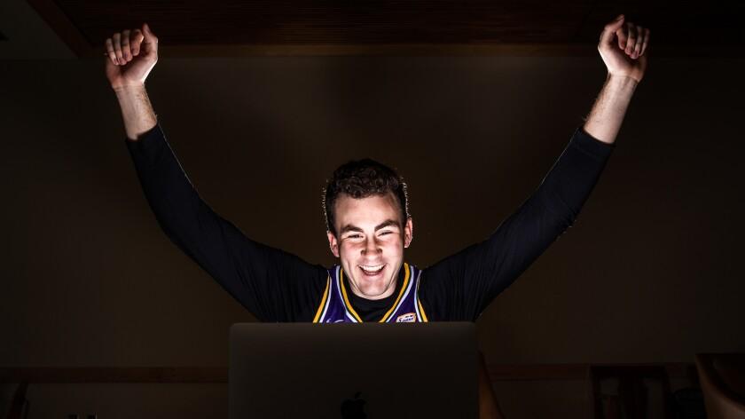 Online Sports fan.jpg