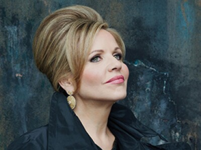 ReneeFleming_CREDIT_DECCA_ANDREWECCLES-cropped-375x230.jpg