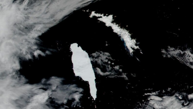 Dr. David Long Tracks Iceberg Near Georgia Island and Receives International Attention