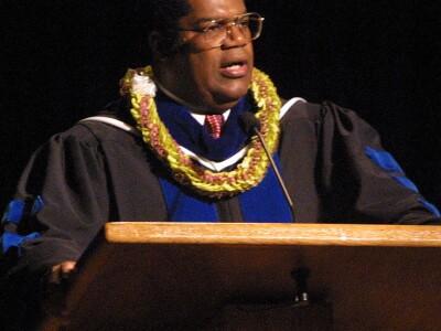 Dr. Marcus Martins