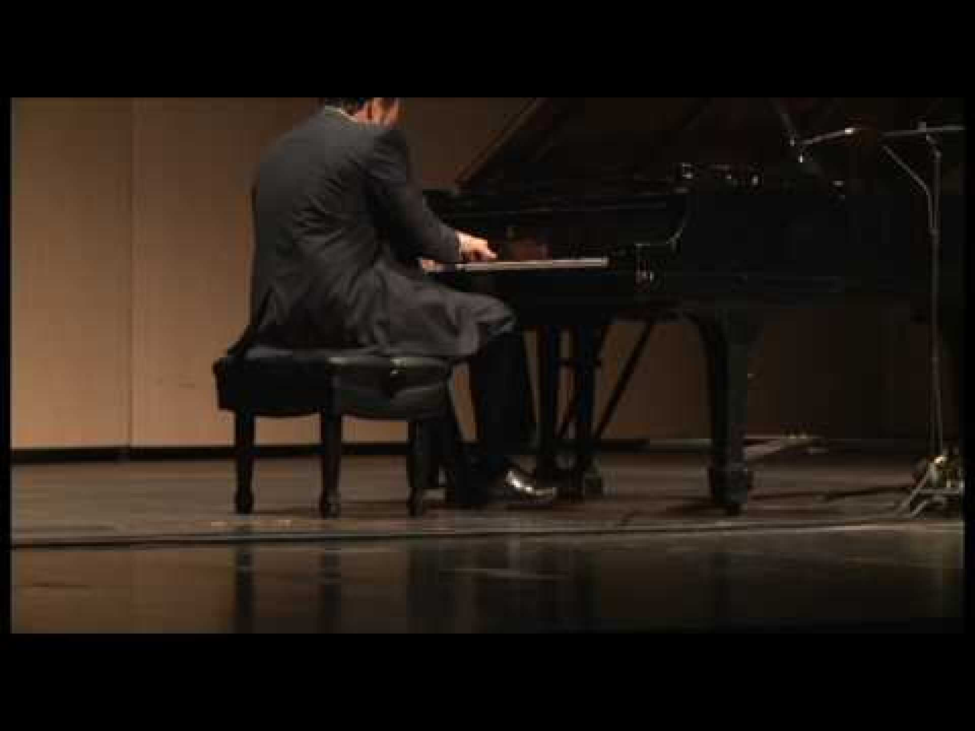 David M. Kinikini plays Prokofiev: Sonata no. 7 in B-flat Major, op. 83, III. Precipitato