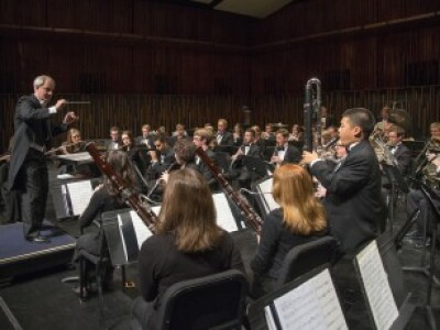 Donald Peterson conducts the BYU Wind Symphony