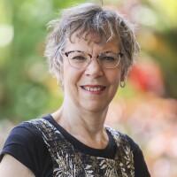 Carol Skinner Headshot