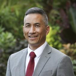 A portrait of Jonathan K. Kau