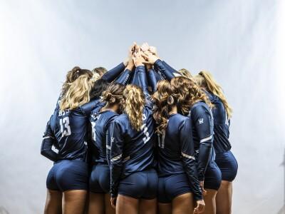 BYU Women's Volleyball huddle