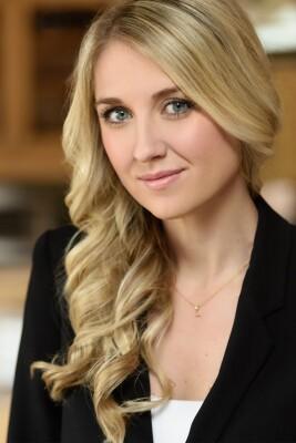 Portrait of Lindsay Hadley