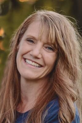 Photo of Associate Professor Wendy Baker-Smemoe