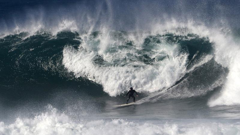 Big Swell_byuh copy.jpg