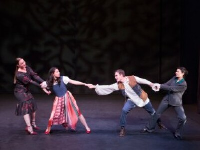 Natalie Jennings as Senora Capuleto, Rachel Leishman as Julieta, Maximillian Wright as Romeo, Amelia Johnson as Lady Montague