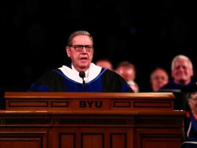 Elder Jeffrey R. Holland speaks to graduates during the April 2018 Commencement